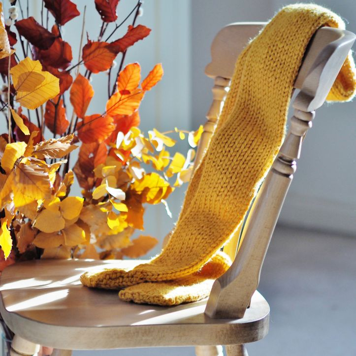 Yellow ochre scarf